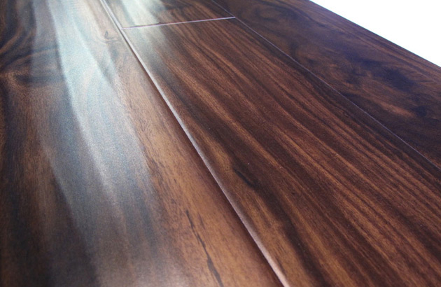 Noyer-Acacia-Designers-Select- Collection- Golden Moulding Laminate Flooring Vancouver